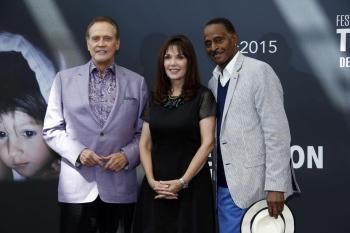 Six stars revisitent la télévision des années 80