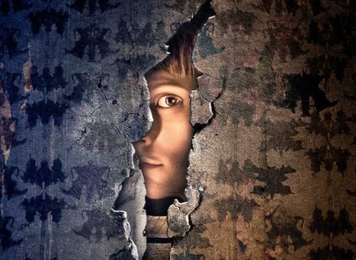 Au-delà des murs: Lisa au pays des ténèbres