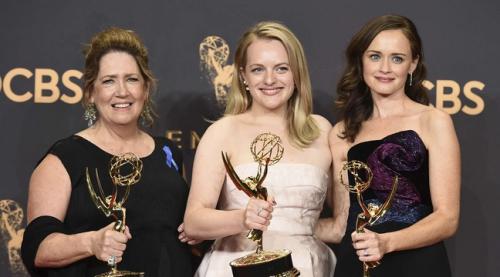 Les Emmy 2017 ont salué la satire politique et les voix des femmes