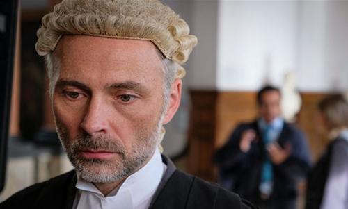 Unforgotten avocat.jpg