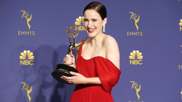 Emmy Awards : la fabuleuse Mrs Maisel tient tête à Game of Thrones