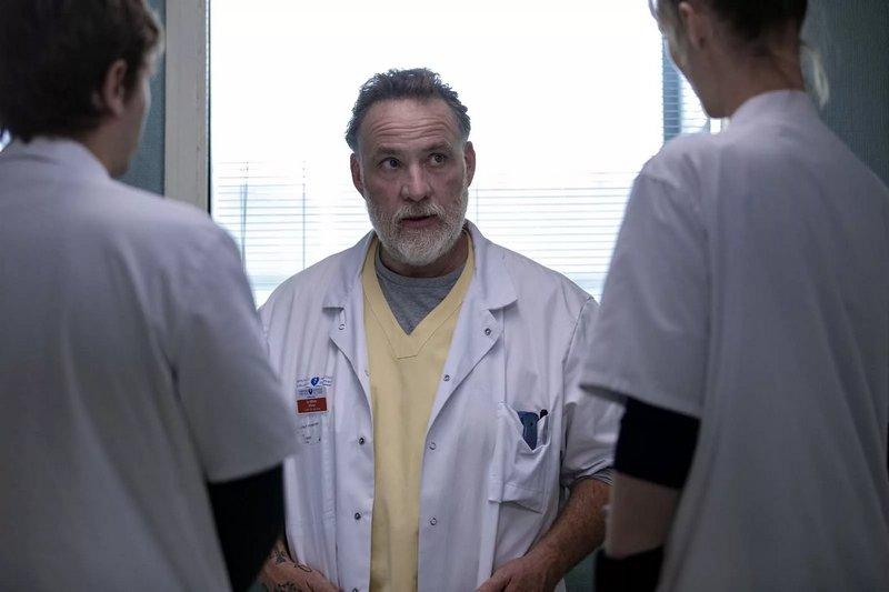 Hippocrate saison 2: chronique d'un navire hospitalier à la dérive