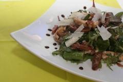 Salade d'asperges vertes aux figues et vinaigre balsamique