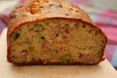 Cake au jambon cuit, petits pois et menthe