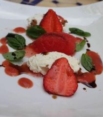 Chèvres, fraises, tomates et pastèque