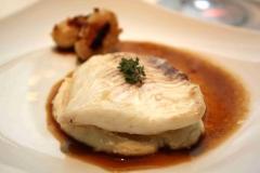 Filet de barbue, purée de haricots de Soissons, fond de veau