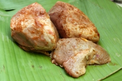 Viande marinée dans feuilles de banane1.jpg