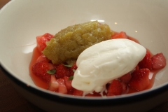Dessert fraise-rhubarbe au bbq.JPG