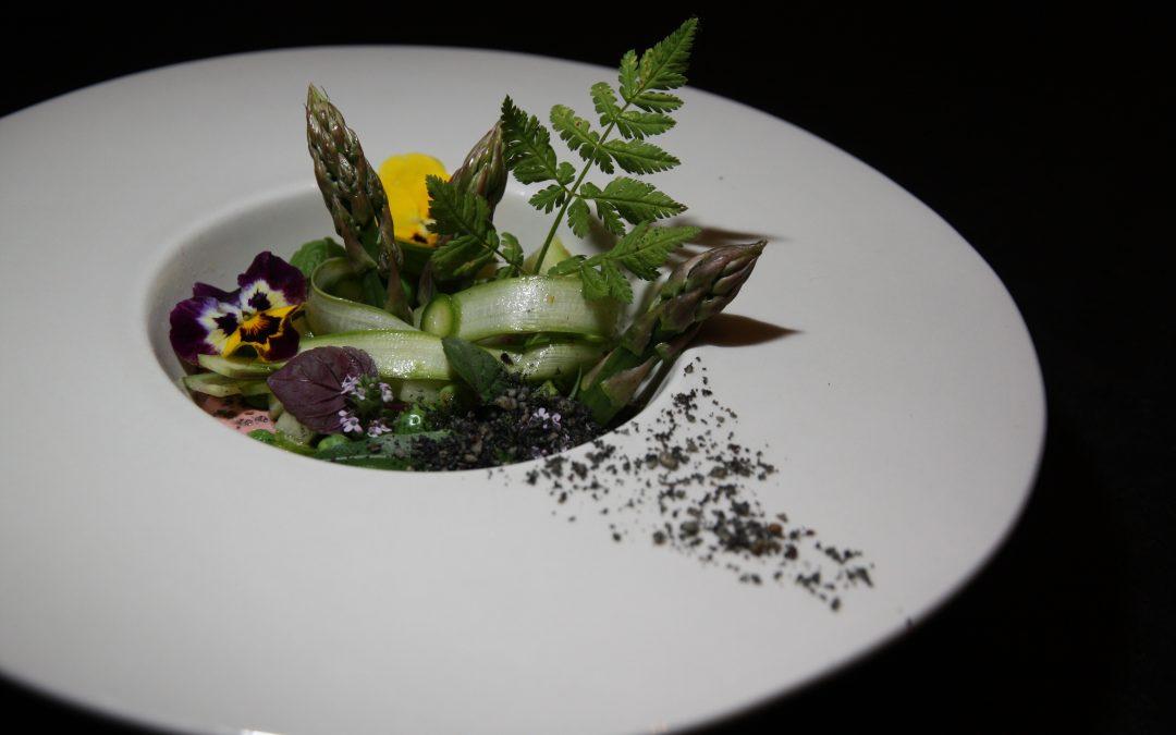 Salade d'asperges vertes au terreau végétal