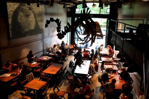 Potemkine: un ciné-café pour la Porte de Hal (FERME)