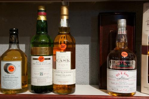 Les caves de Xhéneumont: la Maison du Whisky belge