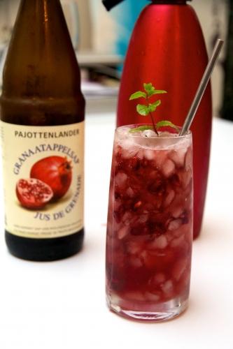 cocktail,cocktail grenade,pomegranate sour