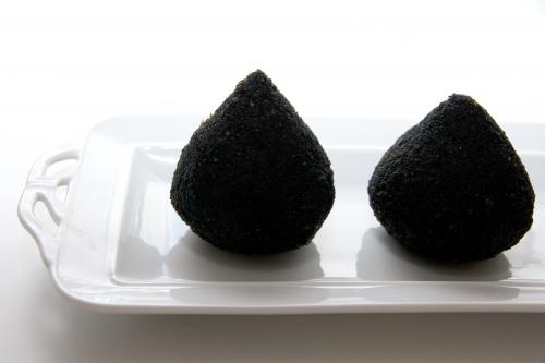 Suppli noirs, croquettes de riz, suppli truffe-taleggio