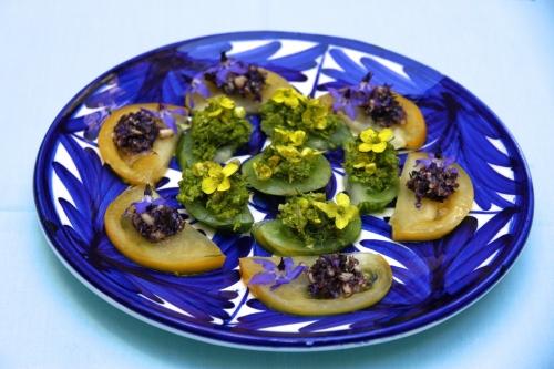 Carpaccio tomates et pestos de fleurs 10.jpg
