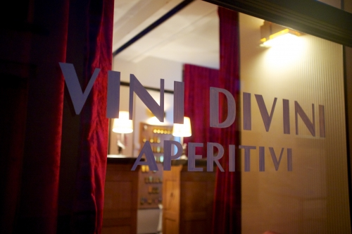 Vini Divini Aperitivi: Bar à l'italienne