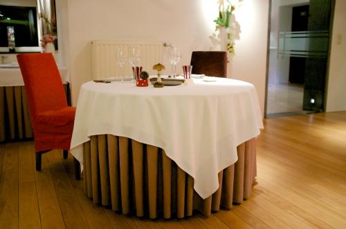 «Le bouchon et l'assiette»: Une assiette transfigurée à Soignies