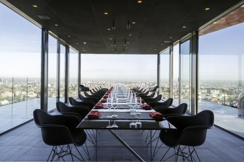 The C Experience: la gastronomie par 120 mètres de haut!