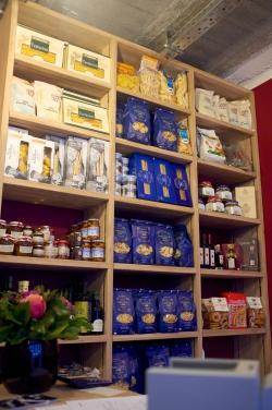 Vini Divini, Vini Divini Negozio, épicerie italienne