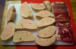 foie gras,foie gras d'oie,jambon noir de bigorre,salade de chanterelles