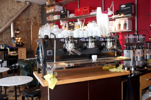bar Anvers, barista, slow drip coffee, Café Normo