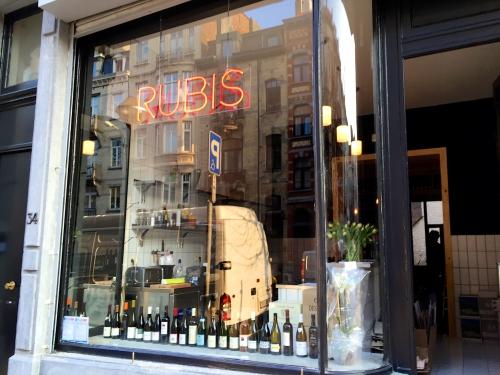 «Rubis», nouveau bar à vins de quartier à Saint-Gilles