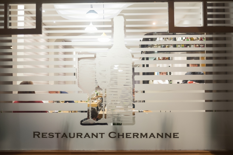 « Chermanne »: Nouvelle table carolo