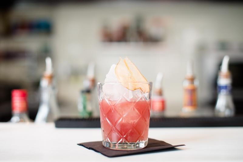 bar,bar à cocktails,bar bruxelles,hortense,matthieu chaumont,chez hortense,nicolas decloedt