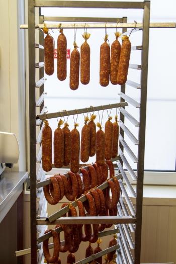charly goederen,boucherie goeders,verviers,boucherie verviers,rouge pie de l'est,pie rouge,viande maturée,boeuf,entrecôte,steak