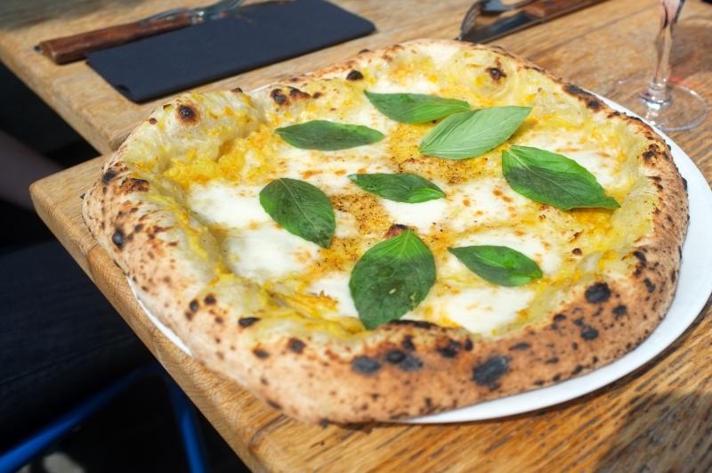 pizza bruxelles,pizzéria bruxelles,mito,pizza au feu de bois