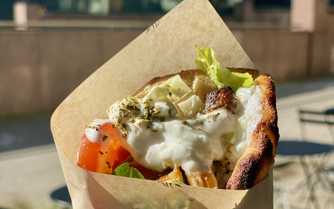 « Stick That Meat »: le vrai souvlaki à la grecque